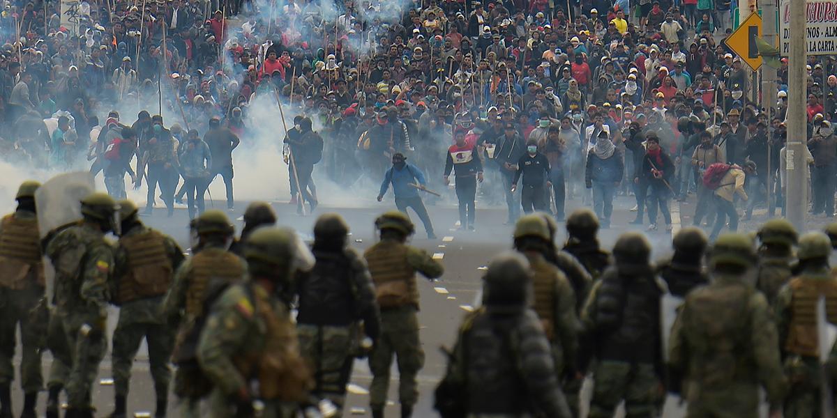 Gobierno ecuatoriano se traslada a Guayaquil por fuertes disturbios