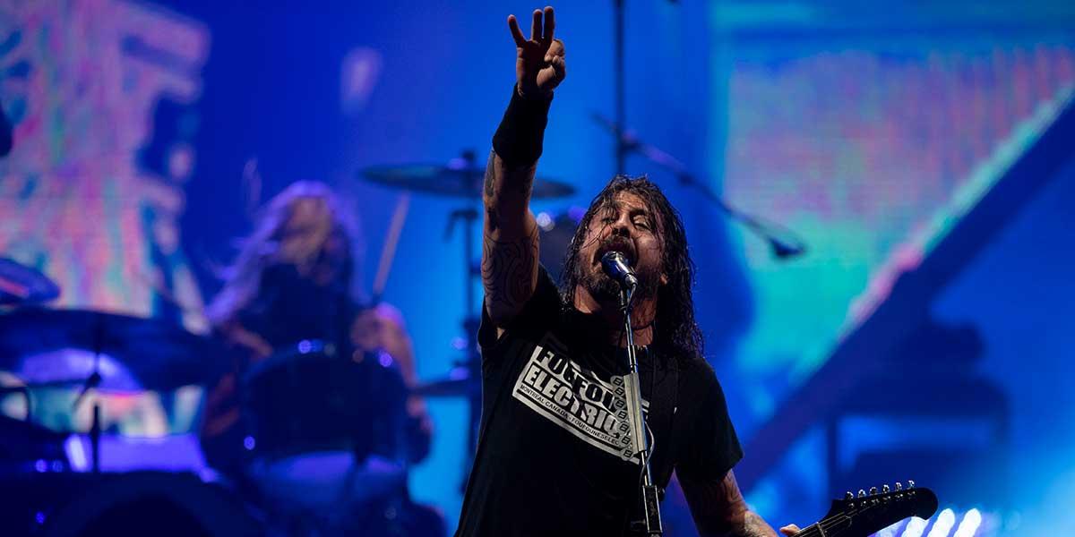 Sí, Foo Fighters y Weezer estuvieron jugando tejo en Bogotá