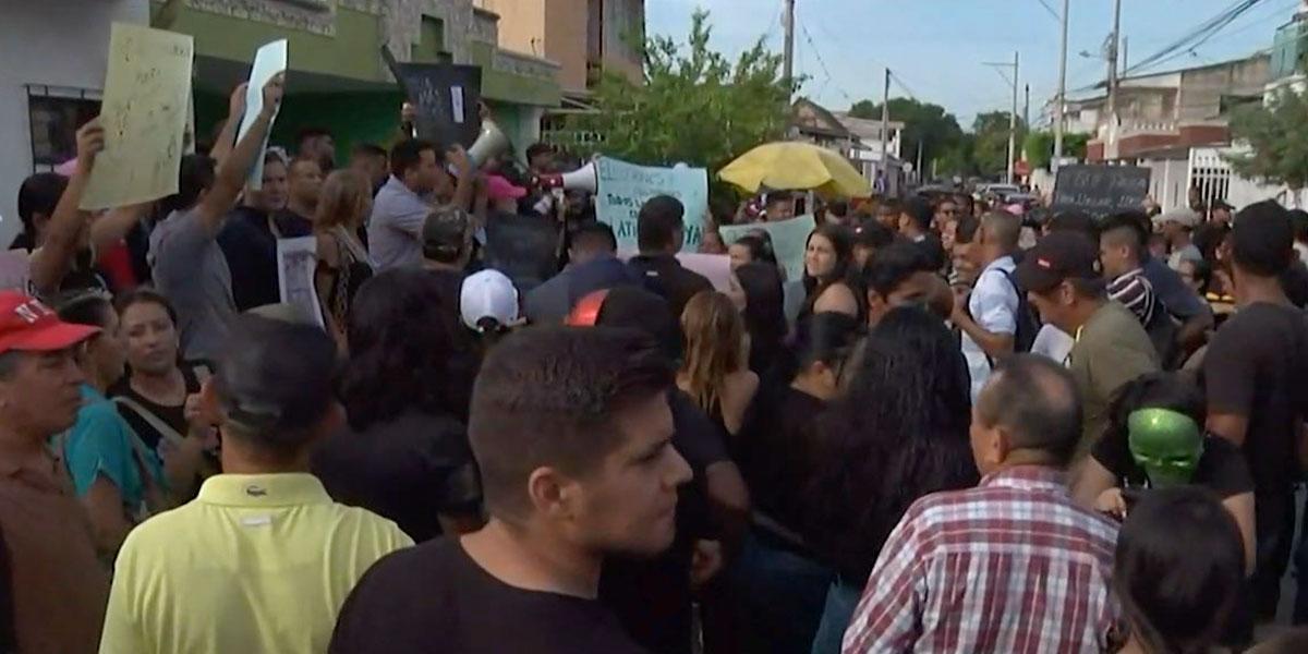 Jóvenes protestan y piden repetir las elecciones en Soledad, Atlántico