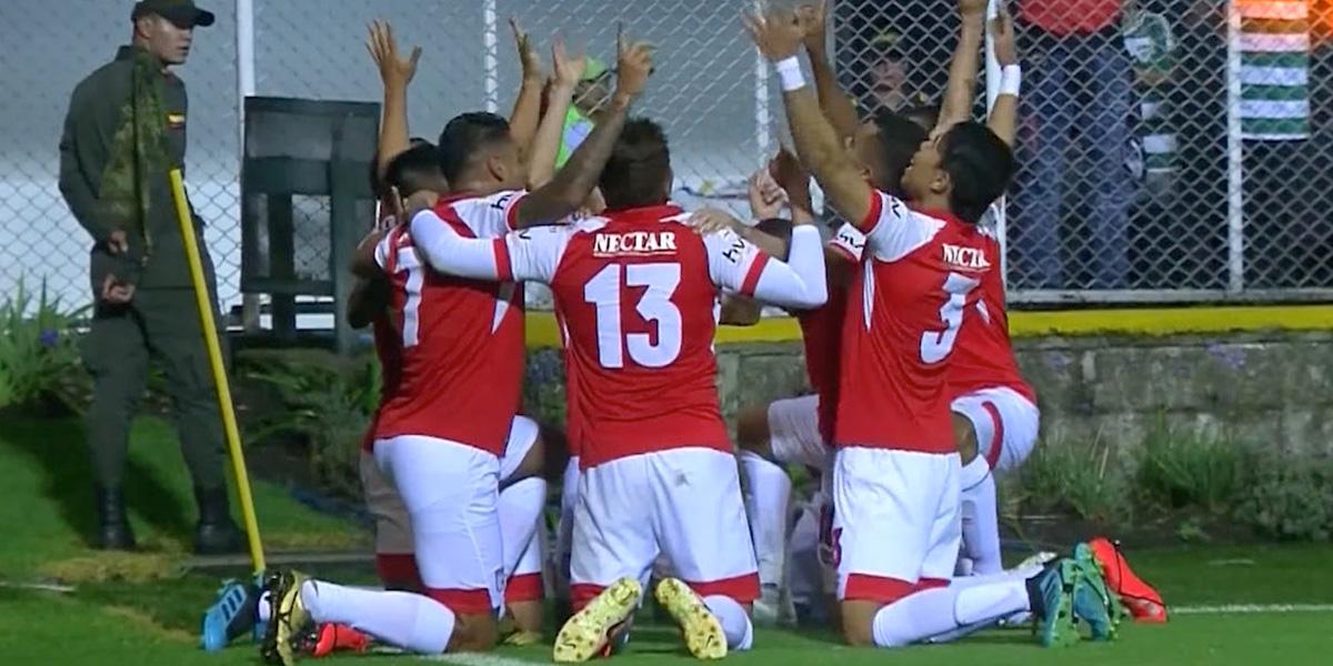 Otra vez, como tantas otras veces, volvió Santa Fe, el de la gloria, el rojo, el guerrero, ¡el ganador!