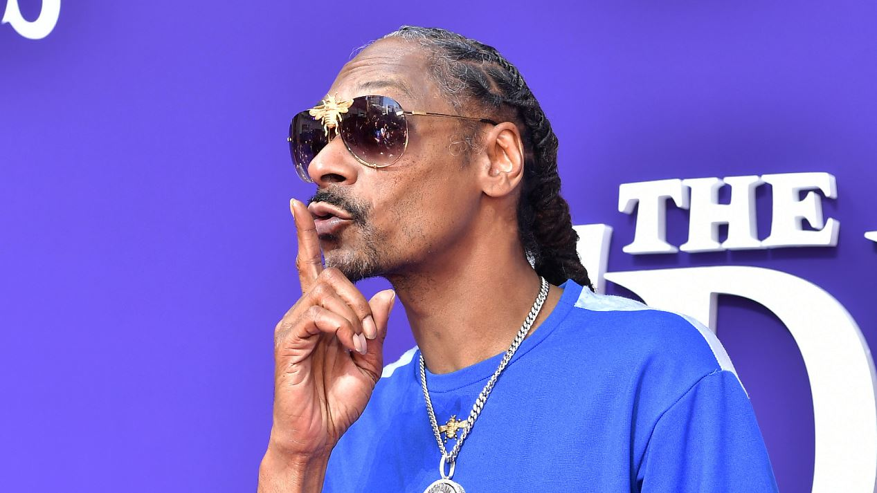 Snoop Dogg contrató una persona para que le arme los porros; le paga una millonada