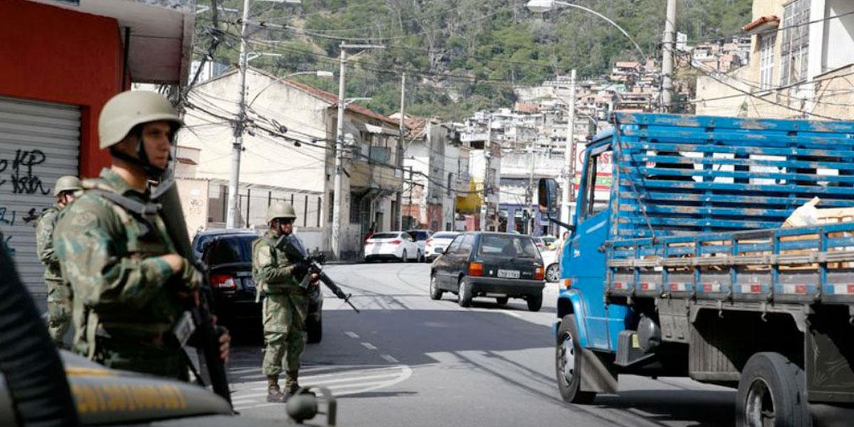 Mueren 17 presuntos narcos en enfrentamiento con policías en Brasil