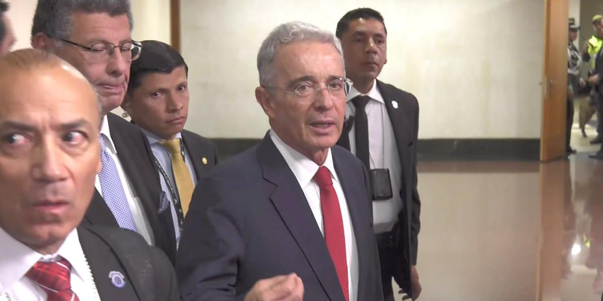 Termina la indagatoria a Uribe en la Corte