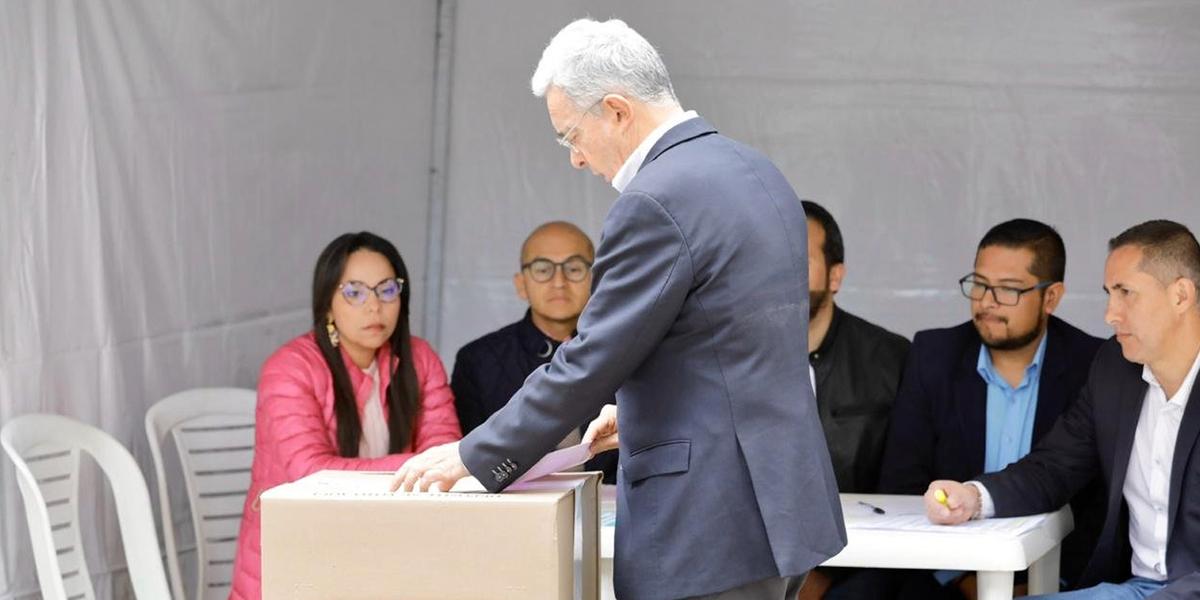 El mensaje de Uribe después de votar por su candidato a la Alcaldía de Bogotá
