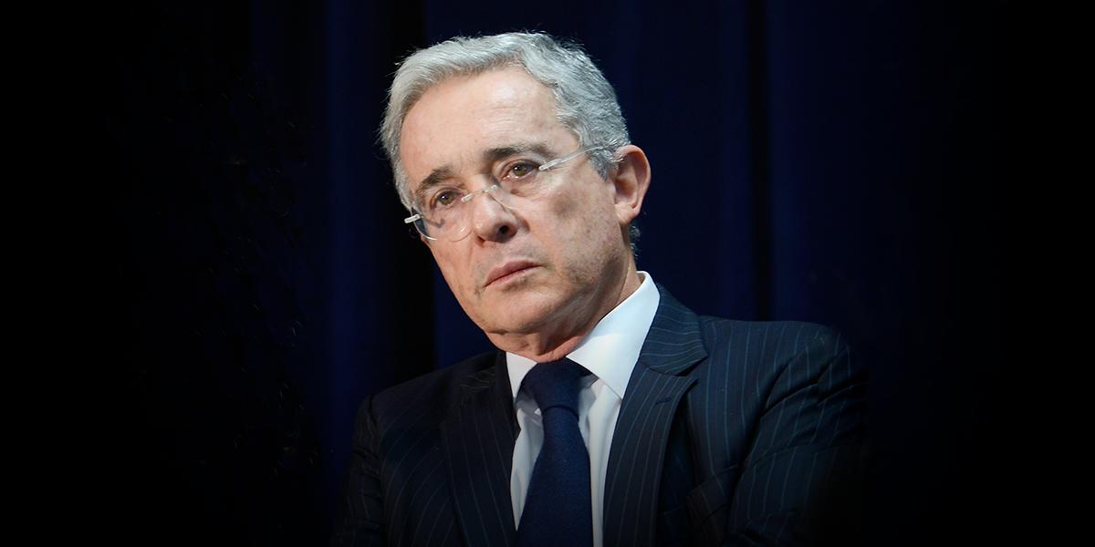 Corte Suprema vincula formalmente a Uribe al proceso por fraude procesal y soborno