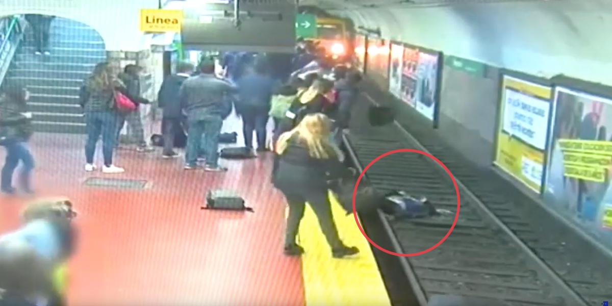 Video | Mujer se salva de la muerte tras caer en las vías del metro de Buenos Aires