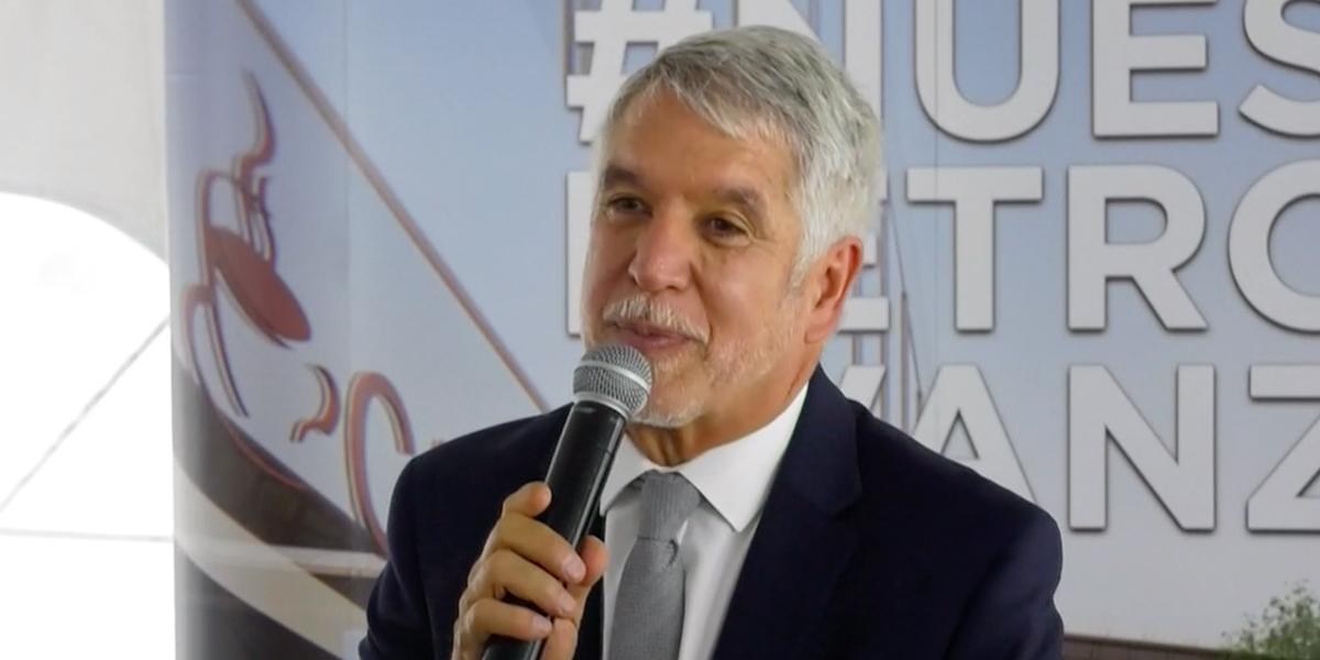 Polémica por petición privada del alcalde Peñalosa al director de la CAR
