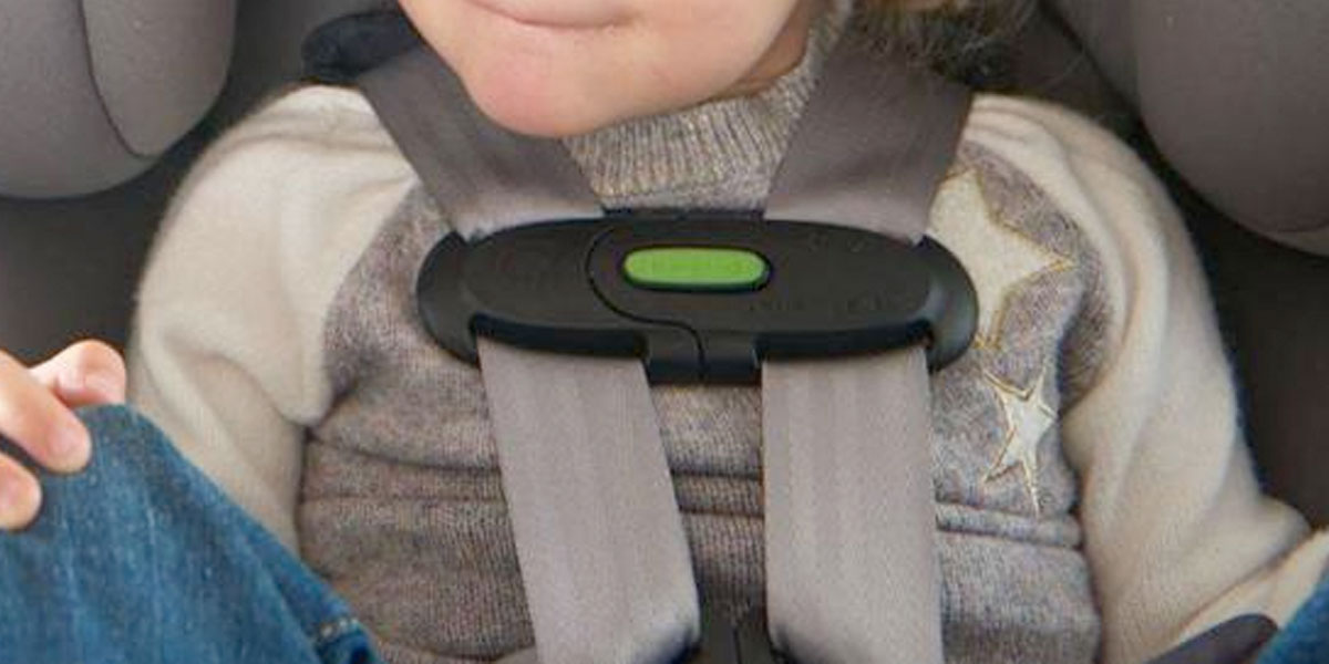 Así funciona el dispositivo antiolvido de bebés que ahora es obligatorio en los carros de Italia