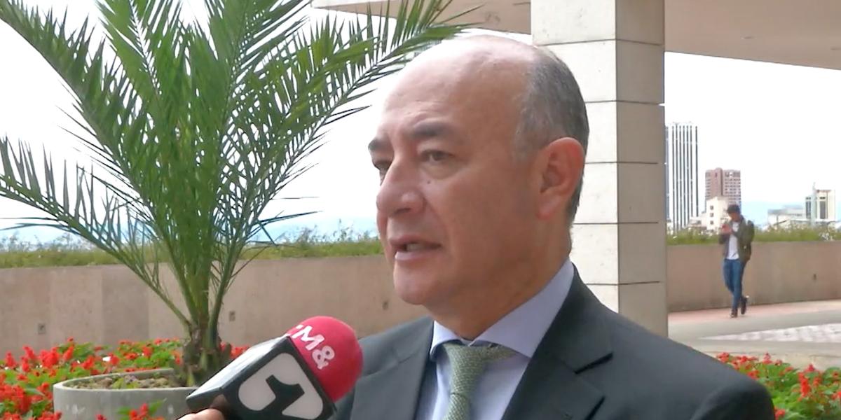 Expresidente de la Comisión asesora lanza críticas contra el Gobierno