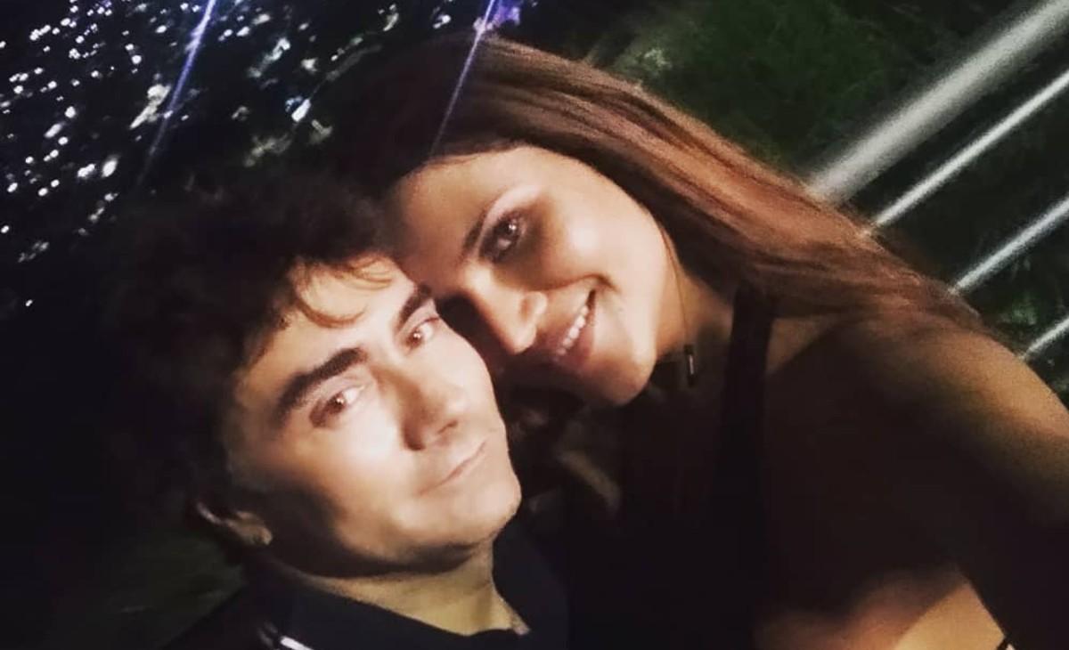Mauro Urquijo se agarró con un seguidor que criticó a su esposa trans