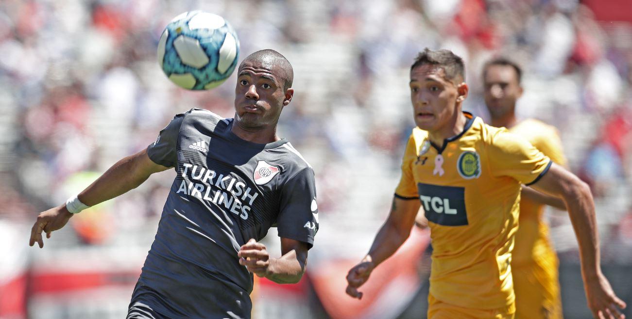 River, con Borré de titular, perdió con Central y desaprovechó la chance de ser líder del fútbol argentino