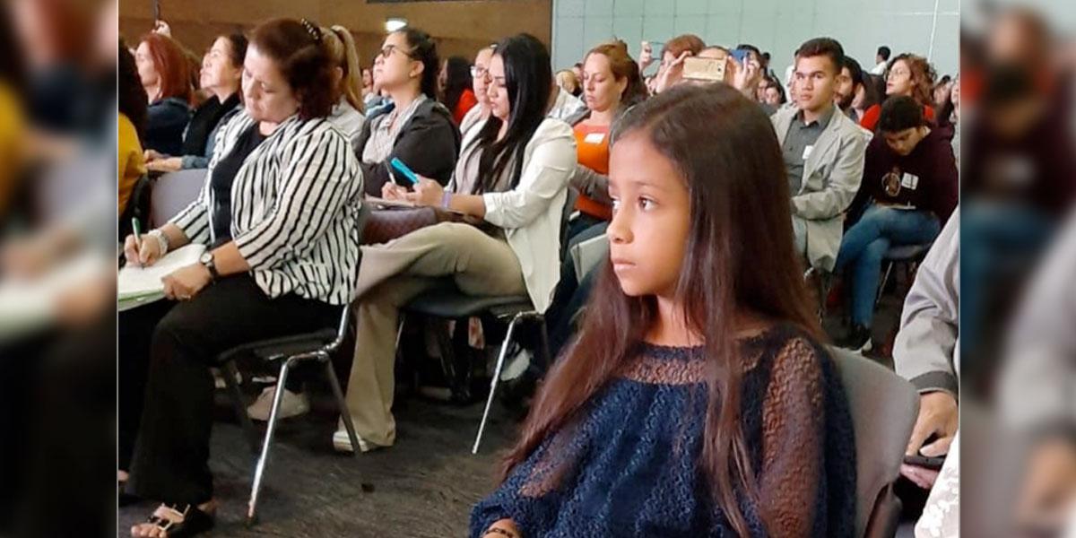 En Medellín pequeña de 10 años lidera campaña contra abuso sexual infantil