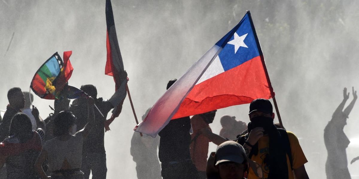 La movilización chilena lo logró: acuerdan plebiscito para nueva Constitución