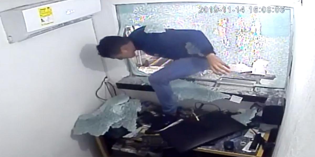 En video quedó registrado impresionante robo a casa de giros en Malambo, Atlántico - Canal 1