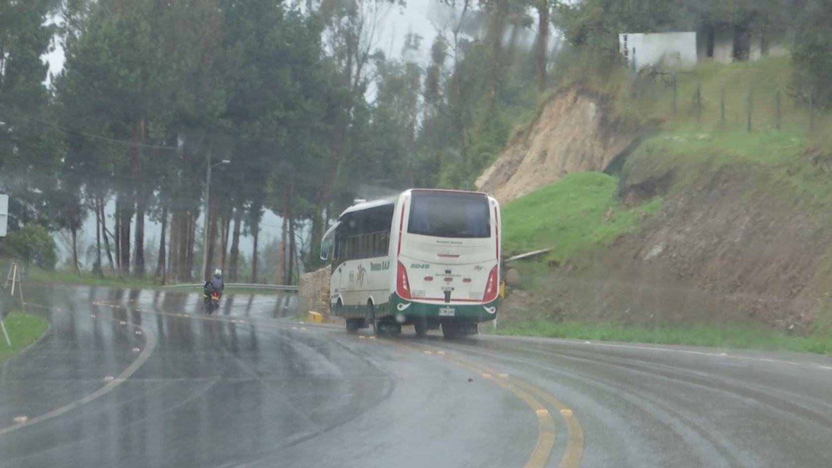Usuarios de transporte público reportan constantes robos en la vía Bogotá – La Calera