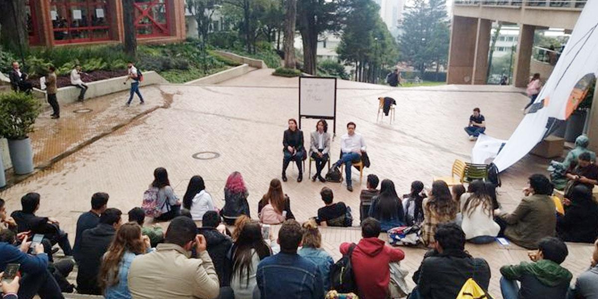 Estudiantes de Los Andes desplegaron enorme pancarta para invitar al 21N - Canal 1