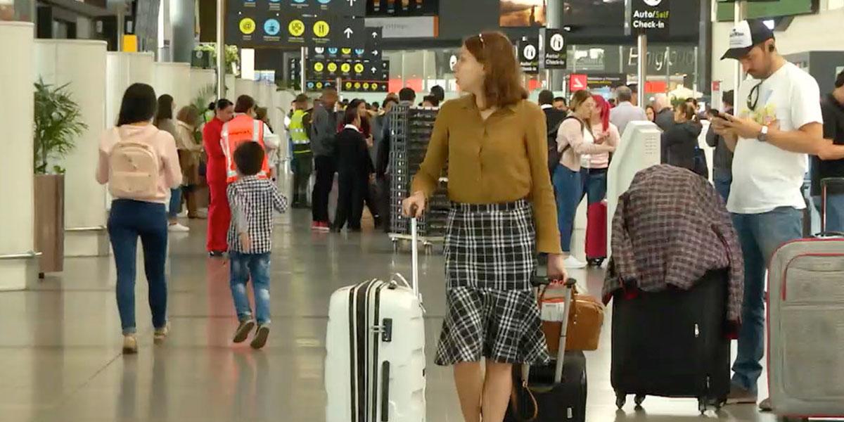 Incumplimiento de itinerario y mal manejo del equipaje, las quejas que se multiplican contra aerolíneas