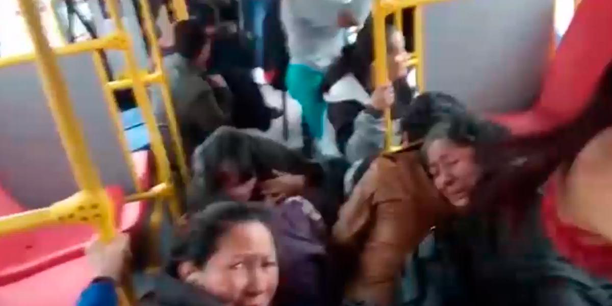 Conductor del Sitp narra con angustia el momento en que su bus es bloqueado y vandalizado
