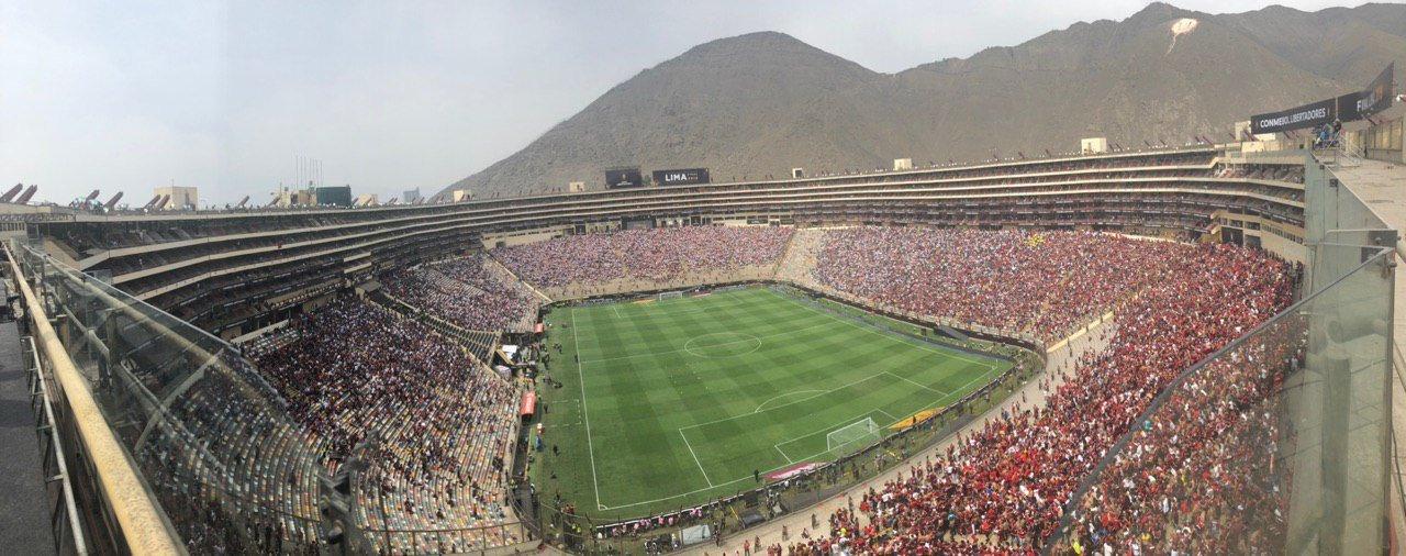 (Video) Así se vivió el show previo a la final de la Copa Libertadores en Lima