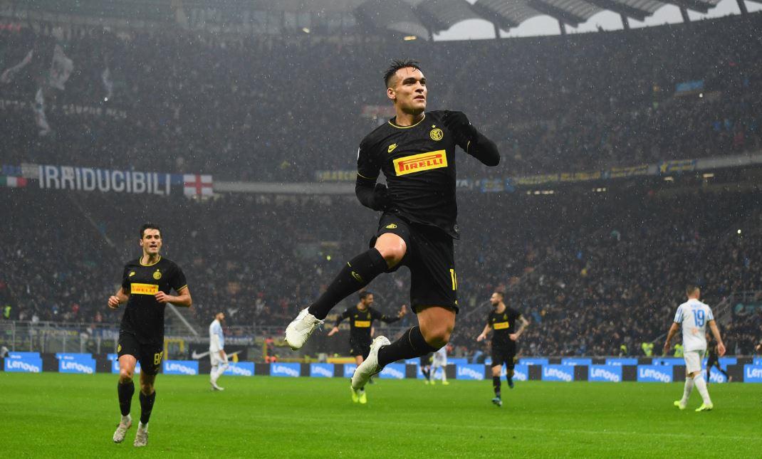 Inter aprovechó el empate de la Juventus y asumió el liderato de la Serie A