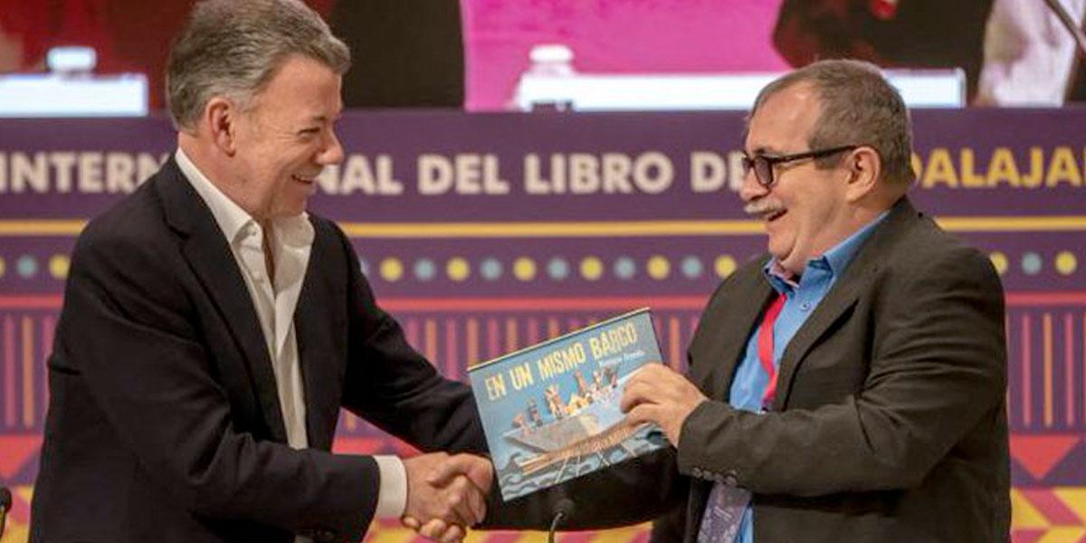 El regalo del expresidente Santos que conmovió a 'Timochenko'