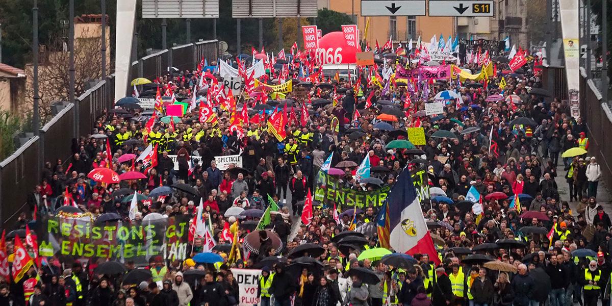 Francia también está en paro: huelga por reforma a pensiones paraliza el transporte público