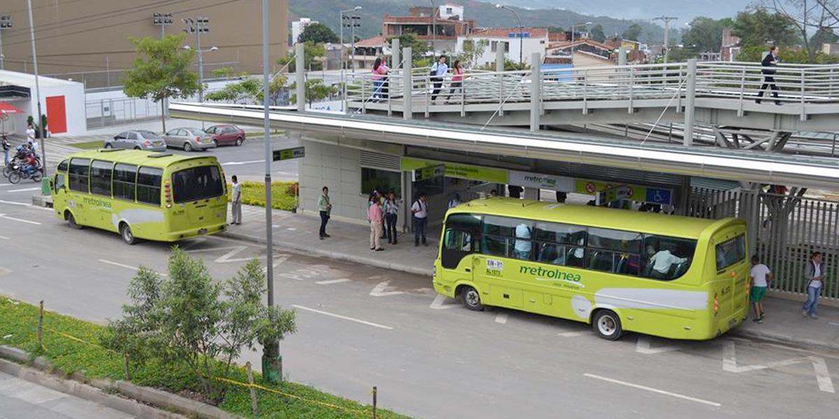 Revuelo y molestia en Bucaramanga por suspensión de 15 rutas alimentadoras de Metrolínea