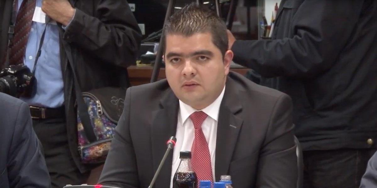 Procuraduría formula cargos al senador Julián Bedoya