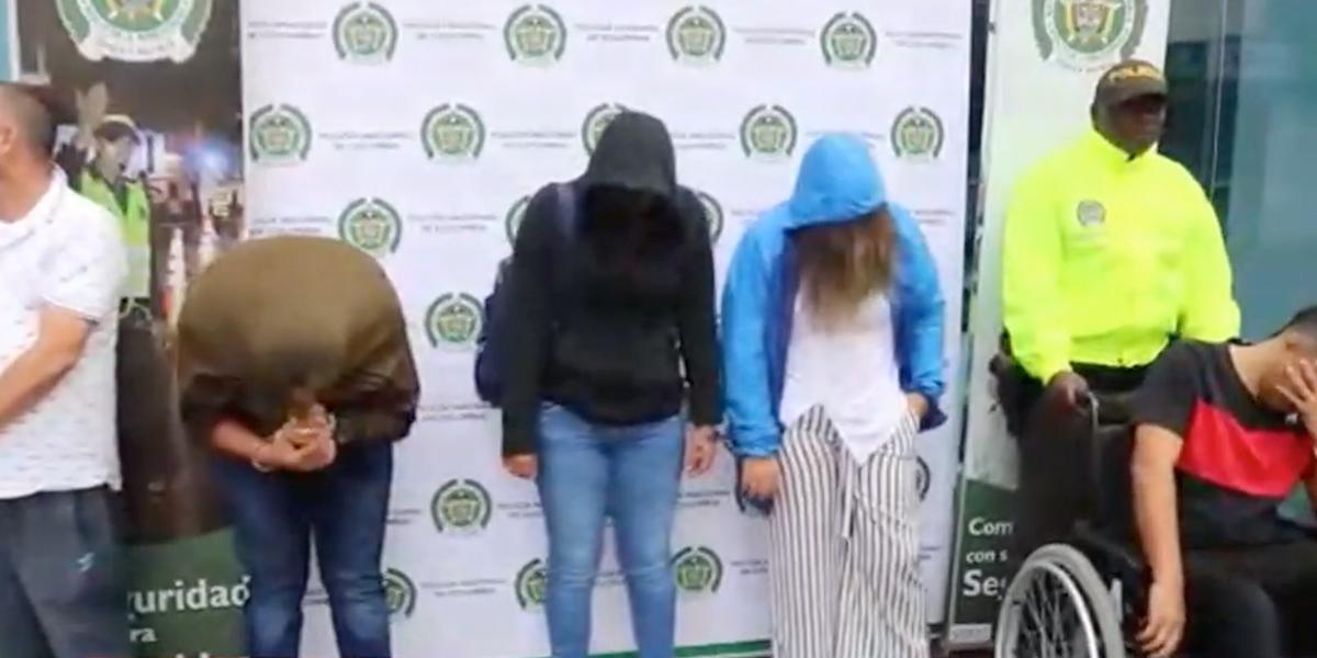 Mujer lideraba banda delincuencial dedicada a abrir vehículos para robar en su interior