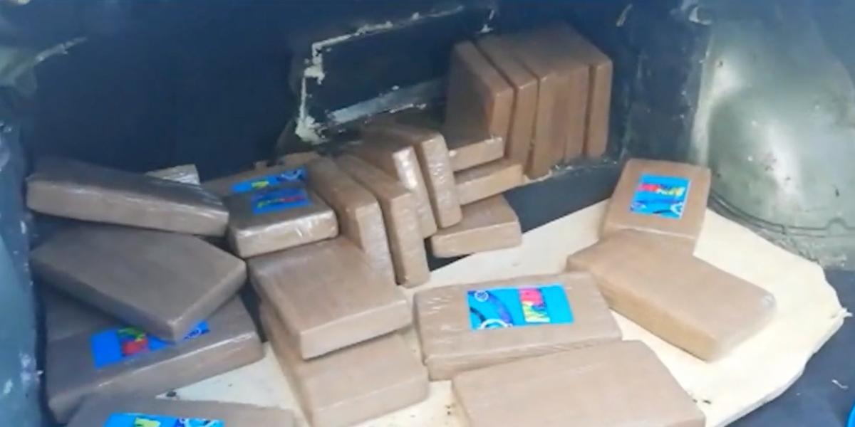 Policía incauta 29 kilogramos de cocaína en peaje de Valle del Cauca