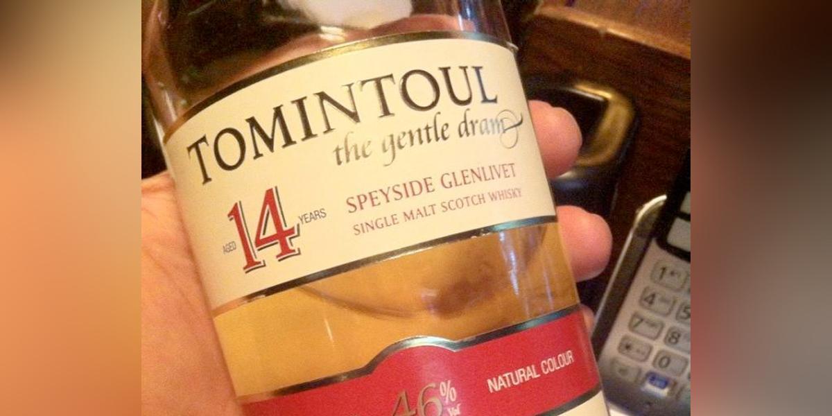 Subastan la botella de whisky escocés más grande del mundo por 20.000 dólares