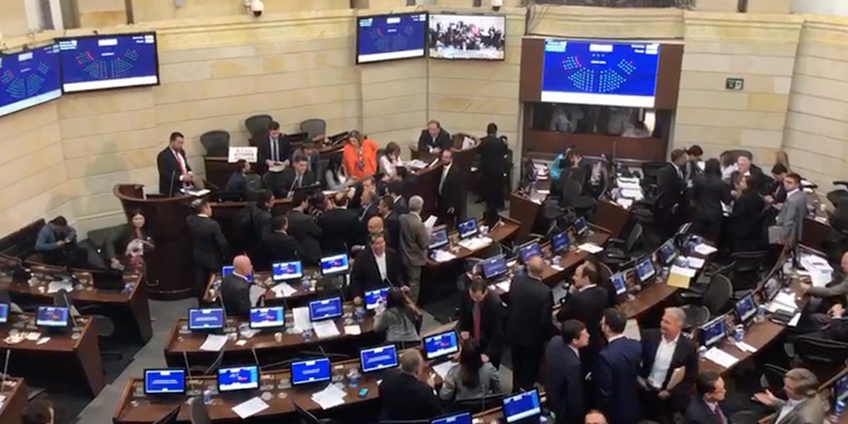 Por error de procedimiento, Senado no discute reforma tributaria