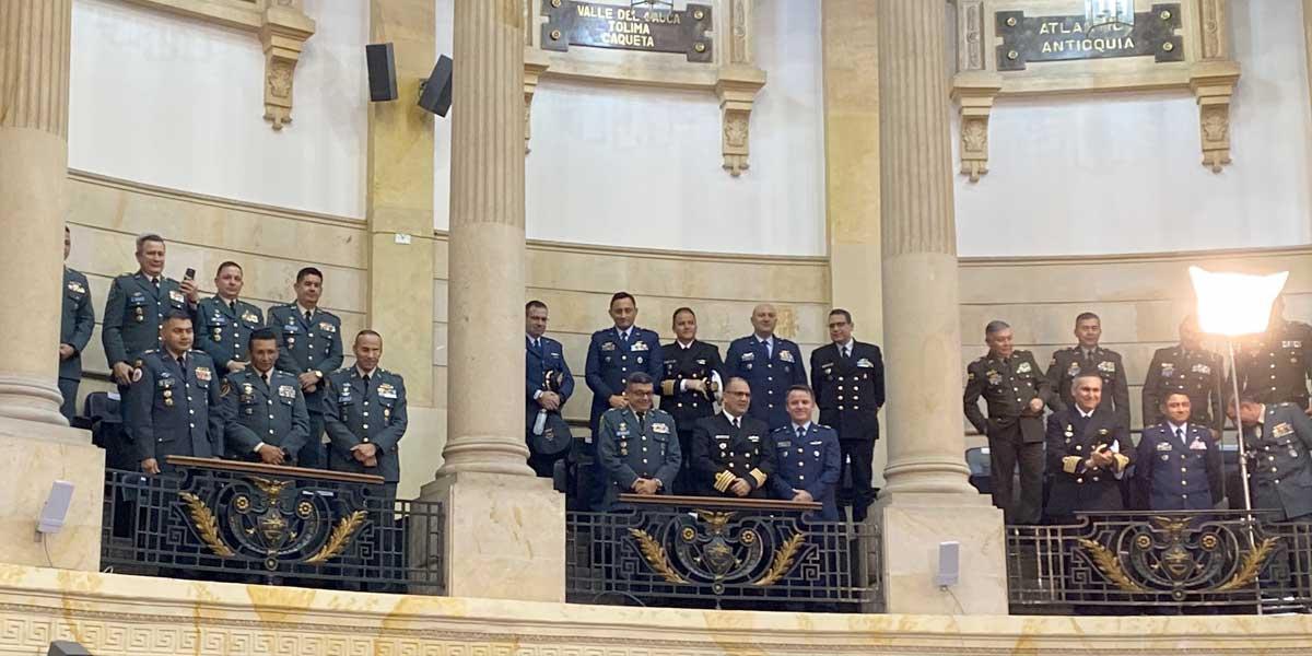Senado aprueba ascenso de 40 altos oficiales de Fuerzas Militares y Policía
