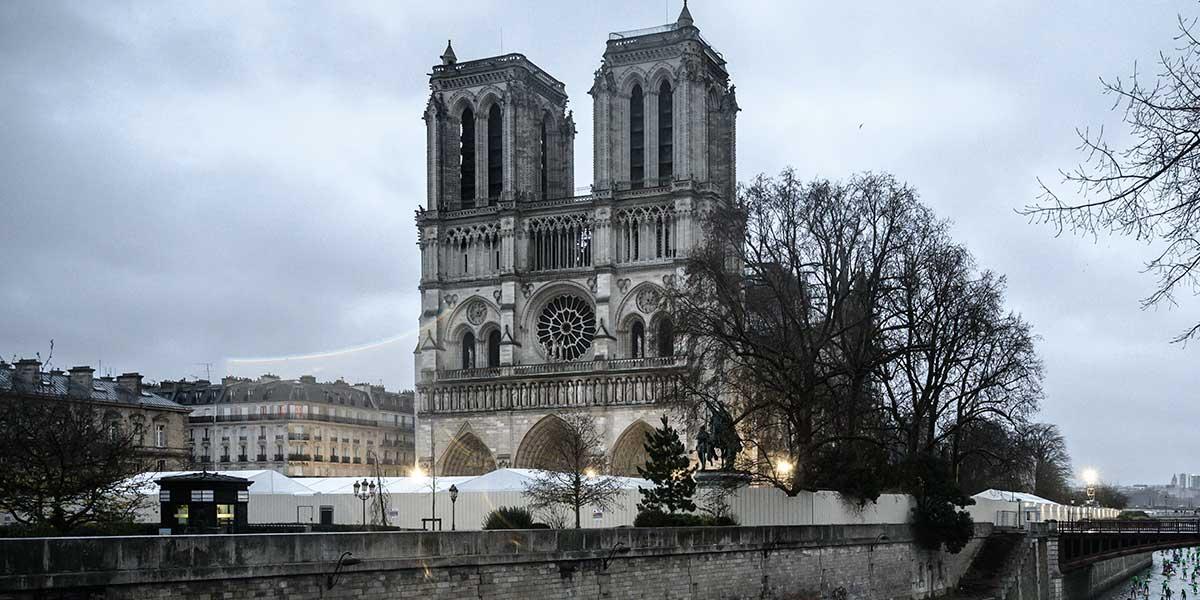 Notre Dame no celebrará la misa de Navidad por primera vez en más de 200 años