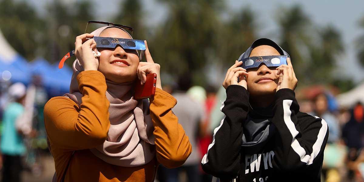 «Anillo de fuego»: el último eclipse solar de la época que atrae a miles de personas