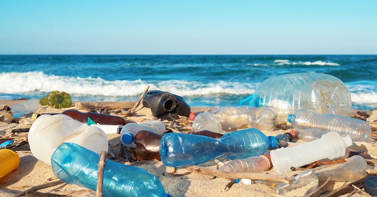 Coca Cola es el mayor contaminante de plástico del mundo; Nestlé y Pepsi no se quedan atrás