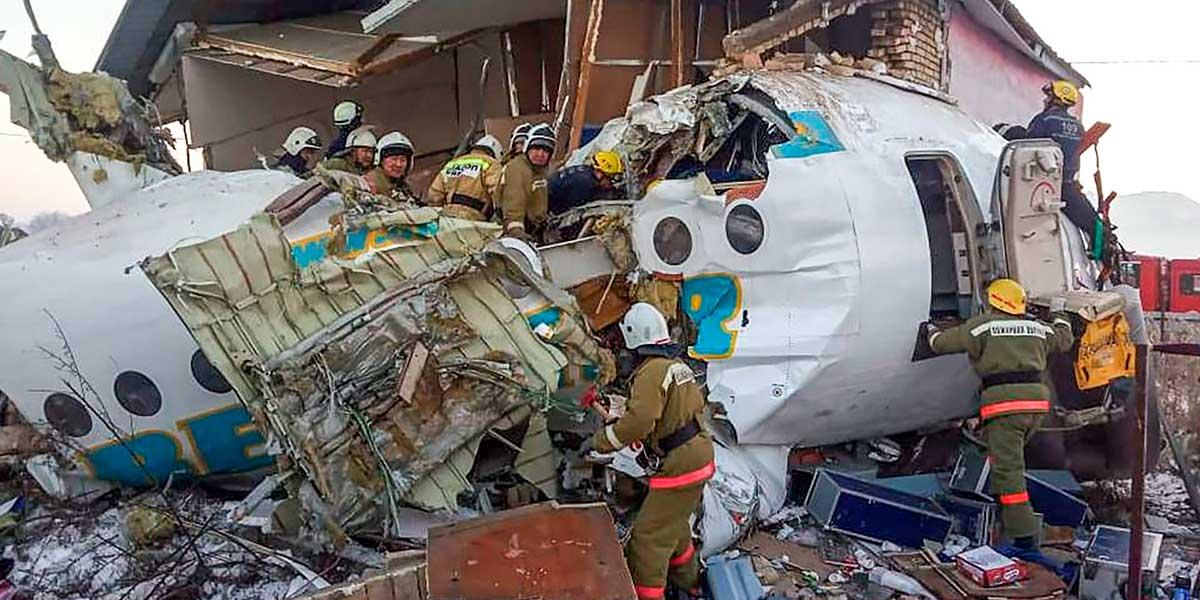 Balance de 12 muertos tras accidente de un avión en Kazajistán